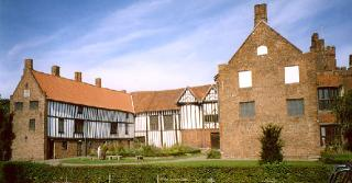 /images/gainsborough_old_hall_-_geograph_org_uk_-_72817