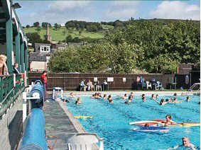 Hathersage Open Air Heated Pool Hope Valley Childrens Leisure