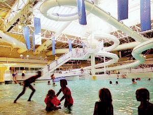 Windsor leisure centre childrens leisure for Windsor swimming pool with slides