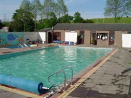 Shap swimming pool childrens leisure - Campsites in cumbria with swimming pool ...