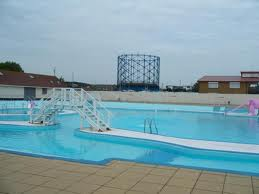 Strand leisure pool gillingham childrens leisure - Campsites in kent with swimming pool ...
