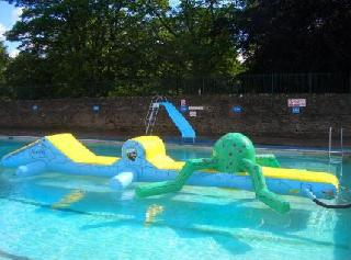 Weardale open air swimming pool childrens leisure for Stanhope swimming pool opening hours